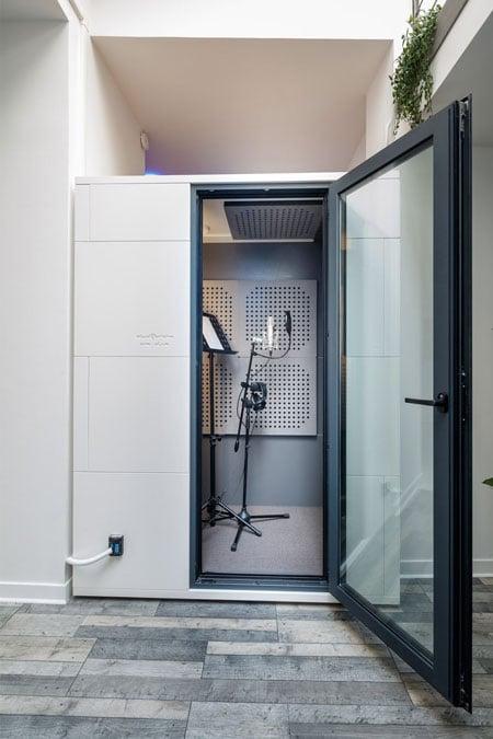 cabine de prise de voix